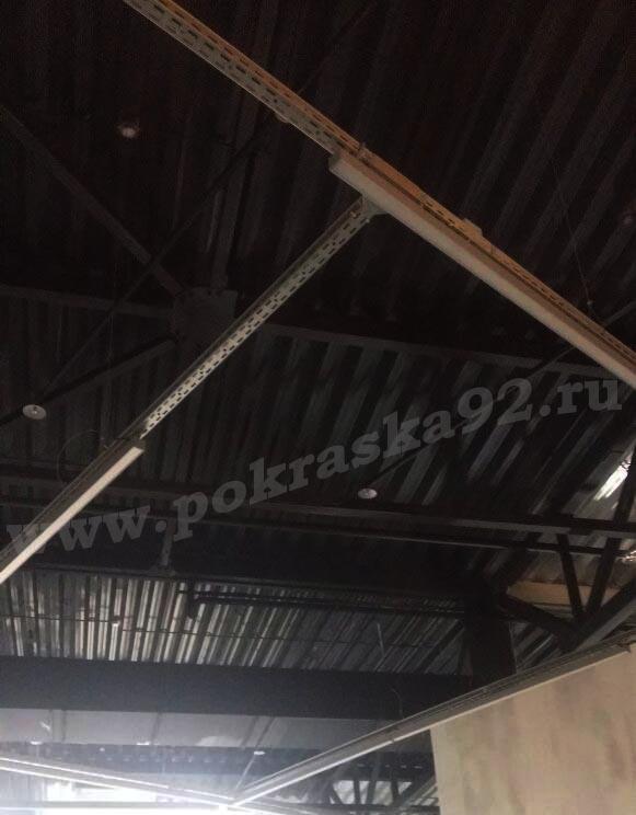 Покраска потолков в Севастополе краскопультом